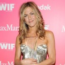 95598_jennifer-aniston-honored-at-2009-women-in-film-awards.jpg