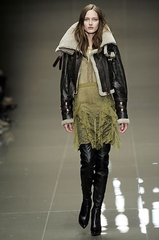 LONDON FASHION WEEK: BURBERRY PRORSUM FALL 2010