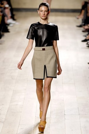 PARIS FASHION WEEK: CELINE SPRING/SUMMER 2010.