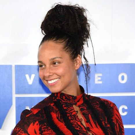 Što Alicia Keys zaista želi poručiti no make up lookom?