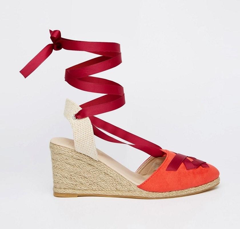 Ravne ženske srebrne sandale - Guess