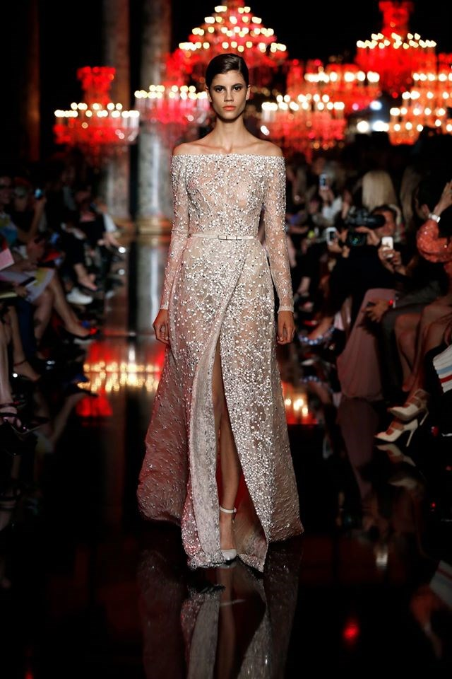 Elie Saab Kroja Ki Egzibicionist Fashion Hr Style