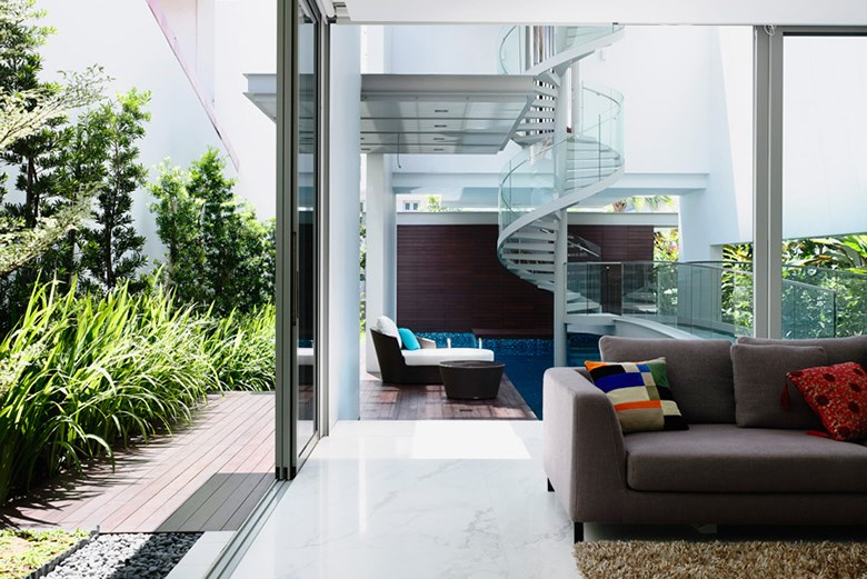 hyla-architects-designs-three-story-home