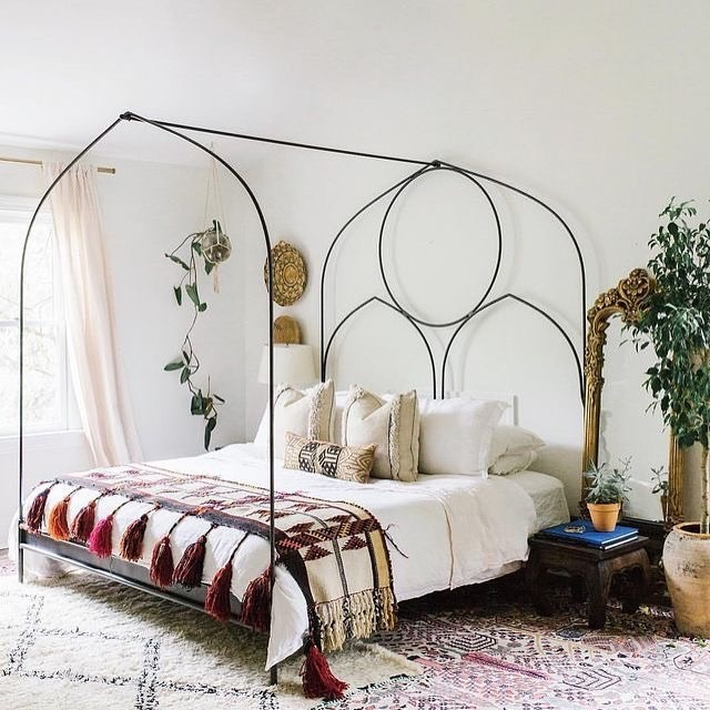 Taupe Zidne Boje Za Svoju Sobu: Pretvorite Svoju Spavaću Sobu U Mirnu Oazu