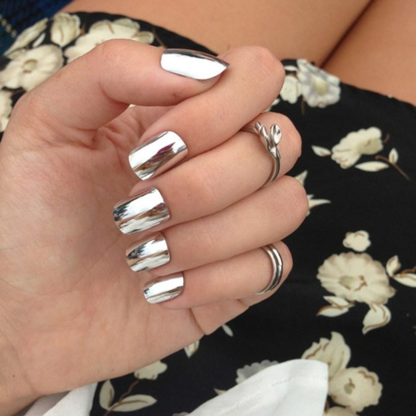mirror nokti