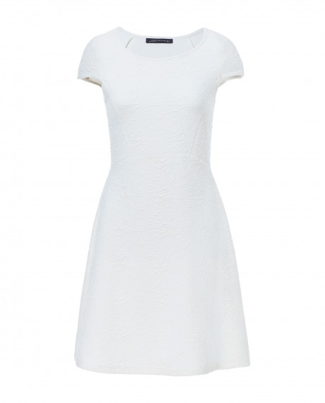bijelih haljina koje bi nosila Jessica Alba